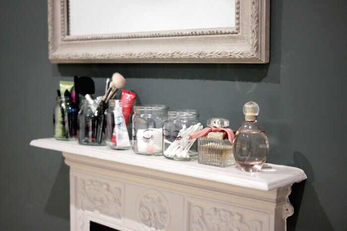 http://www.lingyeungb.com/diy-sharpie-make-up-storage-jars/